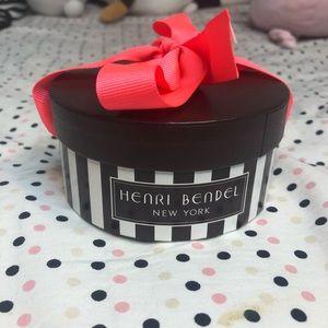 Henri bendel mini hat box
